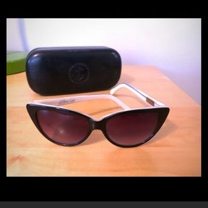 Tres noir cat eye sunglasses
